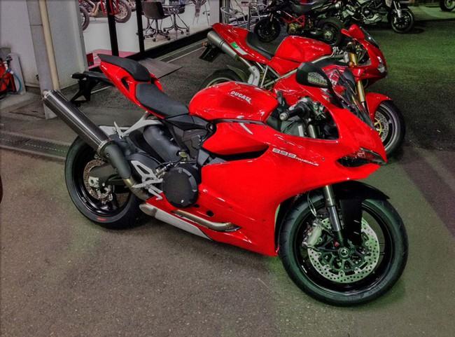 """Người Nhật lại """"phá"""" Ducati 899 Panigale 2"""