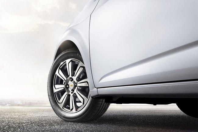 Hé lộ nội thất của Chevrolet Aveo phiên bản nâng cấp 6