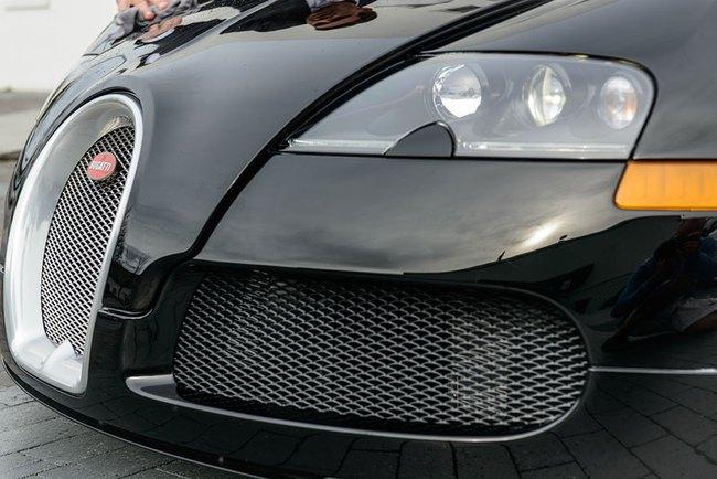 Rapper Drake chán siêu xe Bugatti Veyron được tặng 7