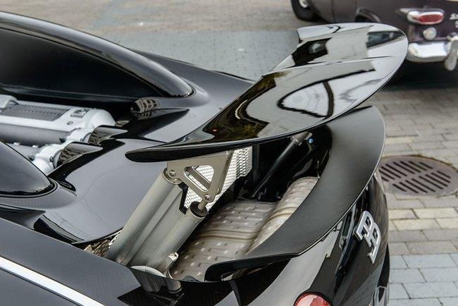 Rapper Drake chán siêu xe Bugatti Veyron được tặng 14