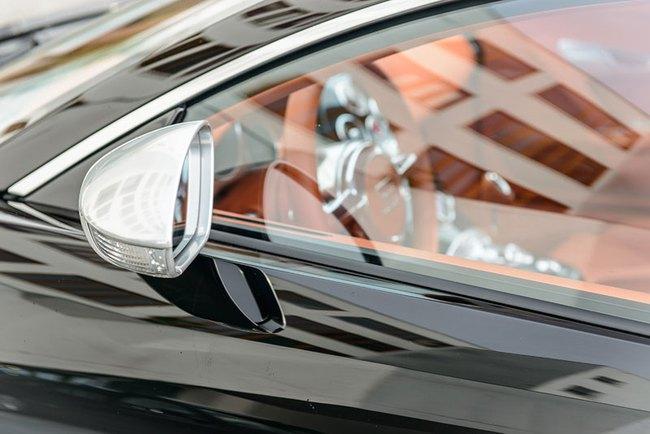Rapper Drake chán siêu xe Bugatti Veyron được tặng 10