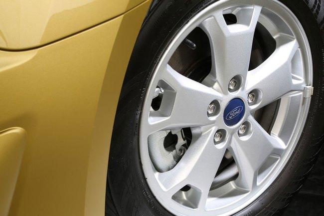 Ford báo giá Transit Connect 2014 9