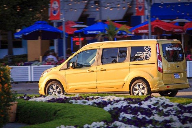 Ford báo giá Transit Connect 2014 6