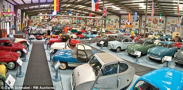 Bộ sưu tập những chiếc xe tí hon lớn nhất thế giới 1