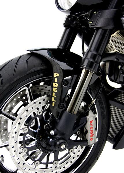 Giật mình với giá của Ducati Diavel độ 19