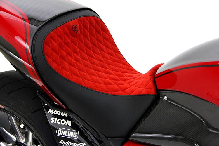 Giật mình với giá của Ducati Diavel độ 10
