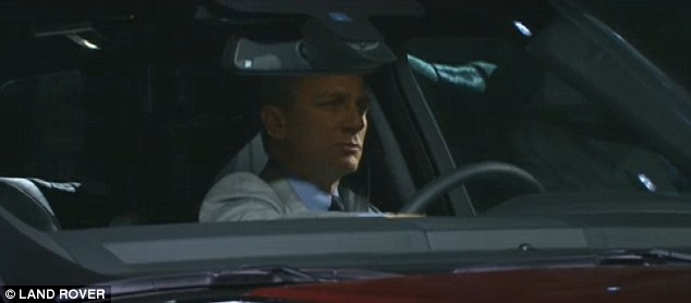 """""""Điệp viên 007"""" giới thiệu Range Rover Sport 2014 trên phố 3"""