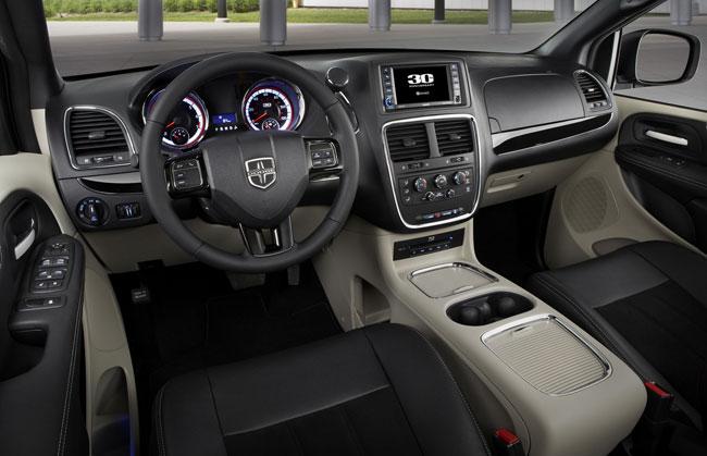 Dodge Grand Caravan phiên bản đặc biệt mới 2