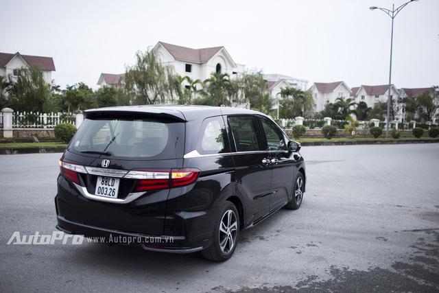 Honda Odyssey 2018 lần đầu tiên xuất đầu lộ diện - Ảnh 4.