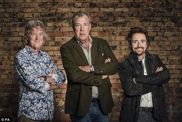 Mr. Chọc ngoáy Jeremy Clarkson lái xe tăng, đâm thủng tường trung tâm thương mại tại Dubai - Ảnh 5.