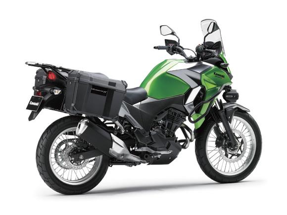 Cả hai đều sử dụng động cơ xy-lanh đôi song song, DOHC, 8 van, làm mát bằng chất lỏng, dung tích 249 cc. Hiện hãng Kawasaki chưa đưa ra thông số động cơ cụ thể của Versys-X 250.