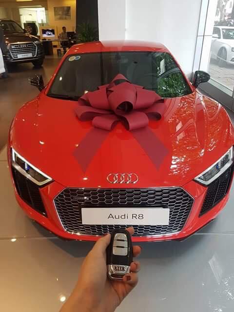 Đông Nhi - Ông Cao Thắng mua siêu xe Audi R8 V10 Plus 2016 chơi Tết - Ảnh 2.