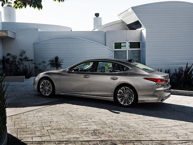 Lexus LS 2018 có 3 tính năng an toàn chưa từng xuất hiện ở bất kỳ xe nào - Ảnh 5.