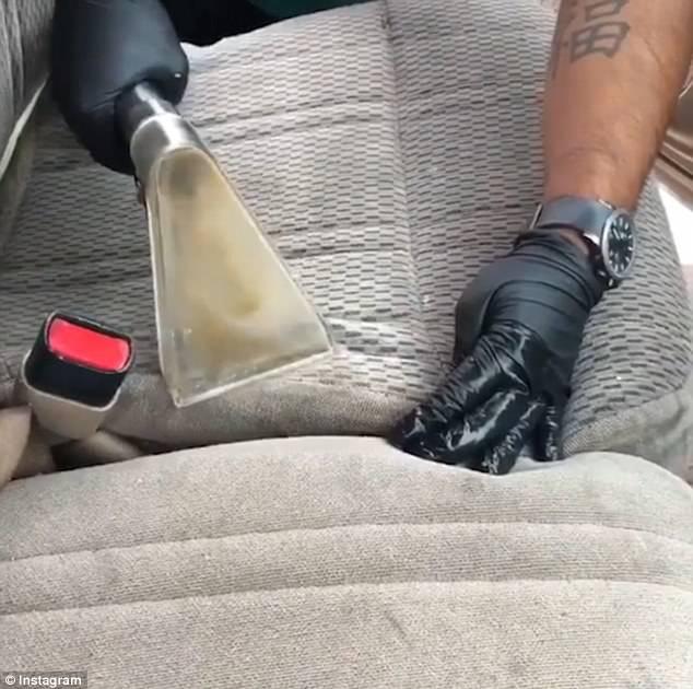 Video hút bụi ghế ô tô khiến nhiều người xem rùng mình - Ảnh 3.