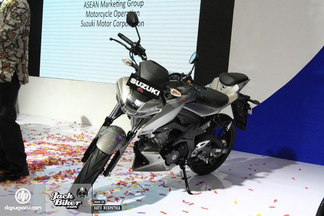 Cặp mô tô 150 phân khối giá rẻ của Suzuki sắp ra mắt Việt Nam - Ảnh 2.