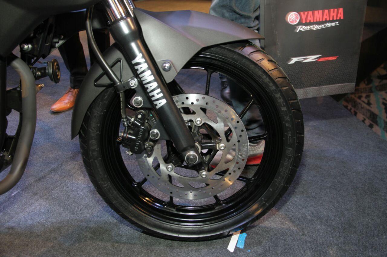Naked bike Yamaha FZ 25 xuất hiện tại Việt Nam, giá hơn 60