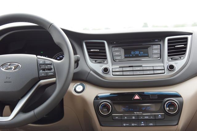 Crossover cỡ nhỏ Hyundai Tucson phiên bản mới lộ diện tại Việt Nam - Ảnh 5.