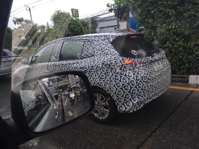 Toyota Yaris L 2017 với thiết kế khác xe ở Việt Nam trình làng - Ảnh 8.