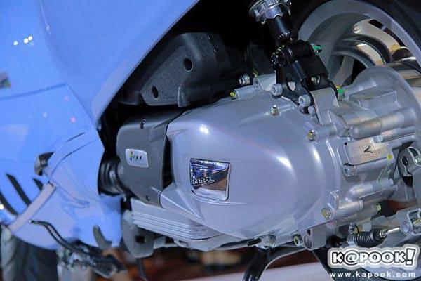 Vespa Primavera 150 có phiên bản đặc biệt mới - Ảnh 8.