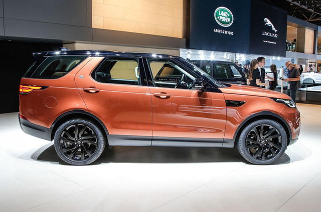 Land Rover Discovery 2018 gây choáng khi vượt qua hố sâu dễ như ăn kẹo - Ảnh 4.