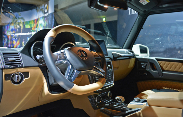 Bắt gặp SUV siêu sang Mercedes-Maybach G650 Landaulet chạy trên đường phố - Ảnh 5.