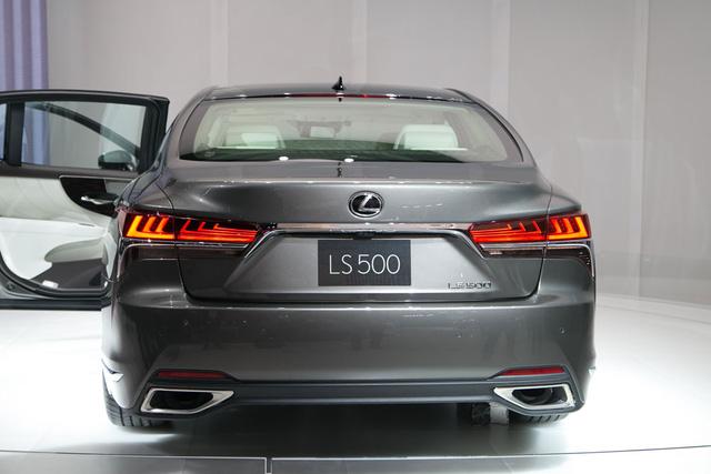 Chỉ còn vài ngày nữa, sedan hạng sang cỡ lớn Lexus LS 2018 sẽ ra mắt Việt Nam - Ảnh 4.