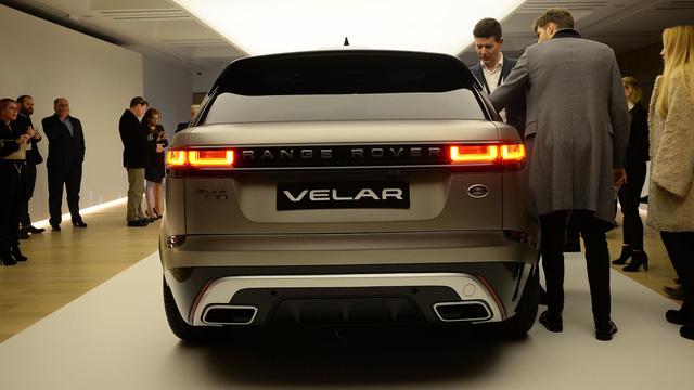 Bắt gặp chiếc SUV hạng sang Range Rover Velar 2018 được đưa đến đại lý - Ảnh 9.