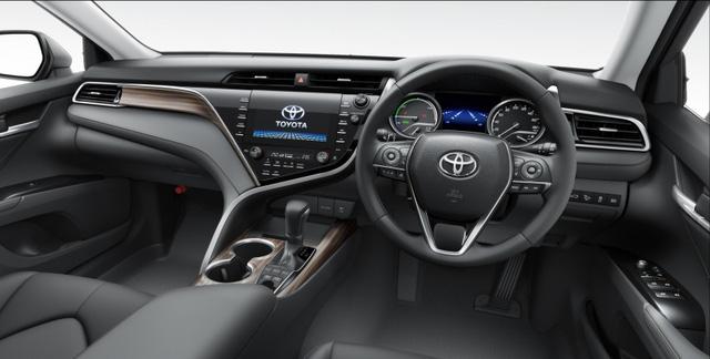 Chi tiết Toyota Camry 2018 phiên bản hầm hố hơn với gói phụ kiện TRD chính hãng - Ảnh 7.
