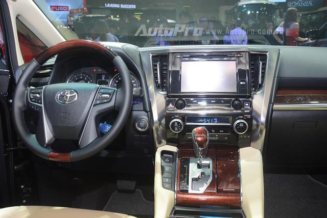 Toyota bắt đầu nhận đơn đặt hàng dành cho chuyên cơ mặt đất Alphard tại Việt Nam - Ảnh 4.