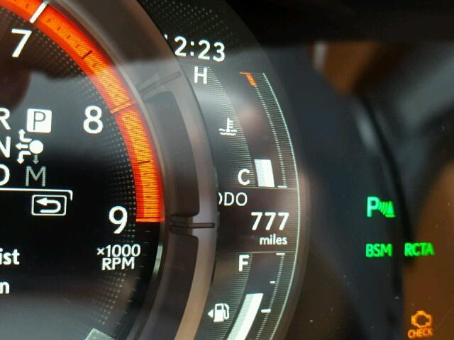 Đây có lẽ là chiếc xe sang Lexus LC500 2018 đầu tiên gặp nạn trên toàn thế giới - Ảnh 3.