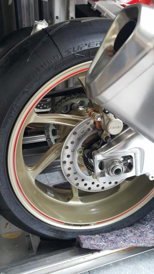 Siêu mô tô chỉ sản xuất đúng 500 chiếc Honda CBR1000RR SP2 2017 cập bến Việt Nam - Ảnh 3.