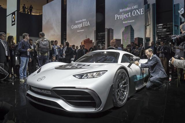Tay đua Lewis Hamilton bỏ ra hơn 123 tỷ Đồng để mua 2 cực phẩm Mercedes-AMG Project One - Ảnh 6.