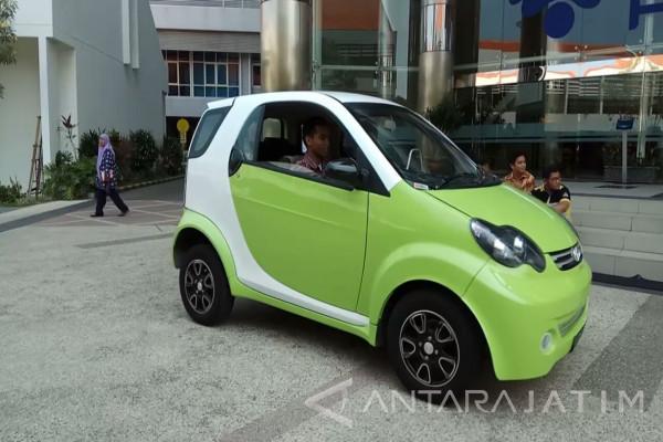 Trong khi người Việt đang ngóng chờ xe Vinfast thì một trường ở Indonesia đã phát triển được ô tô giá 6.000 USD - Ảnh 1.