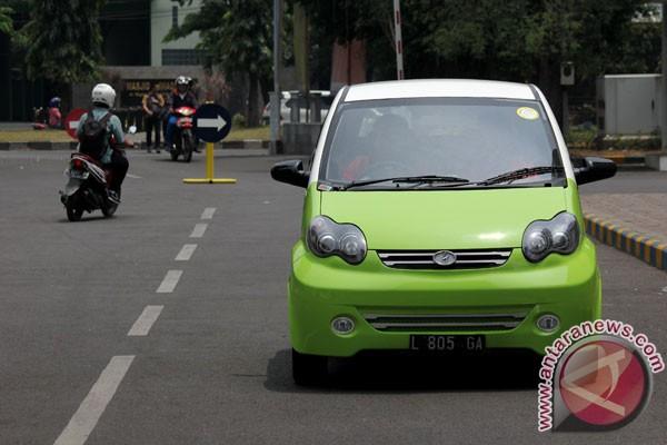 Trong khi người Việt đang ngóng chờ xe Vinfast thì một trường ở Indonesia đã phát triển được ô tô giá 6.000 USD - Ảnh 5.