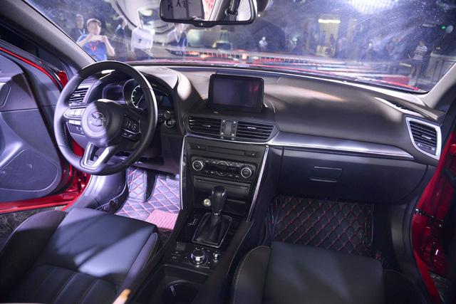 Crossover cỡ nhỏ khiến nhiều người phát thèm Mazda CX-4 bất ngờ xuất ngoại - Ảnh 6.