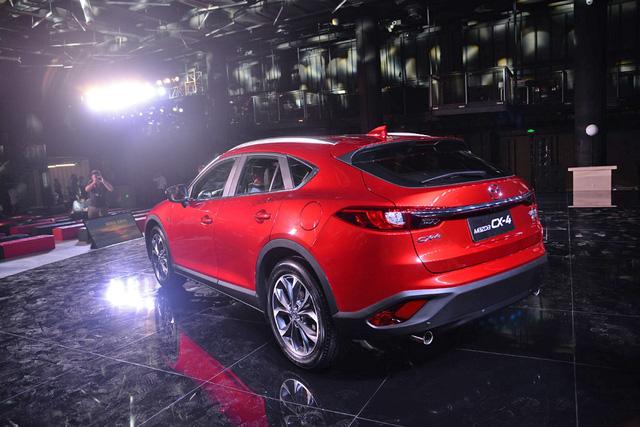Crossover cỡ nhỏ khiến nhiều người phát thèm Mazda CX-4 bất ngờ xuất ngoại - Ảnh 8.