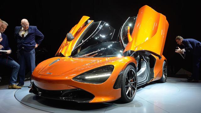 Siêu xe McLaren 720S cháy hàng hết năm 2018 - Ảnh 1.