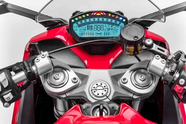 Ducati Supersport 2017 - Hoa hậu của triển lãm EICMA 2016 sắp được giới thiệu tại Việt Nam - Ảnh 15.