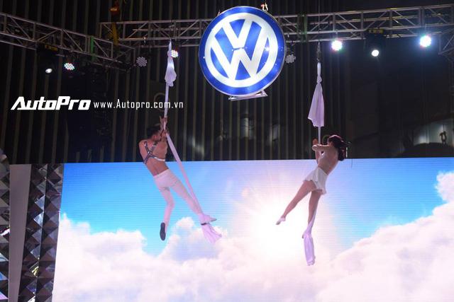 Trực tiếp: Con bọ Volkswagen Beetle Dune giá 1,469 tỷ Đồng ra mắt tại VIMS 2017 - Ảnh 6.