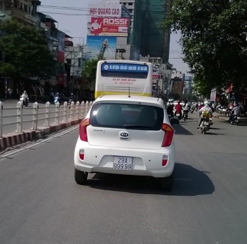 Toyota Vios mang biển ngũ quý 9 gây xôn xao tại Hà Nội - Ảnh 5.