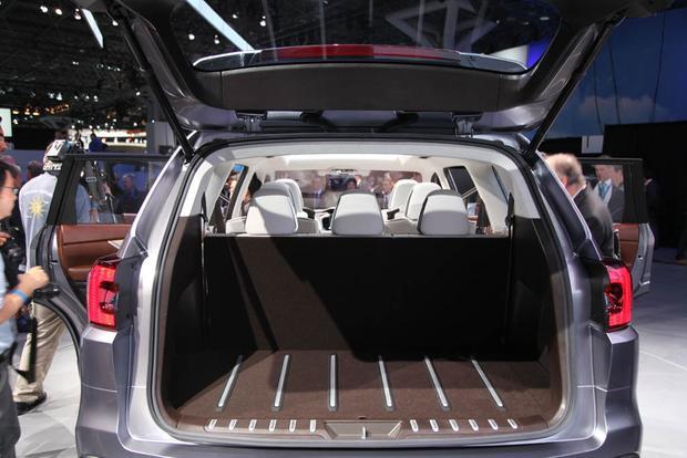 SUV thay siêu xe trở thành tâm điểm LA Auto Show 2017 - Ảnh 5.