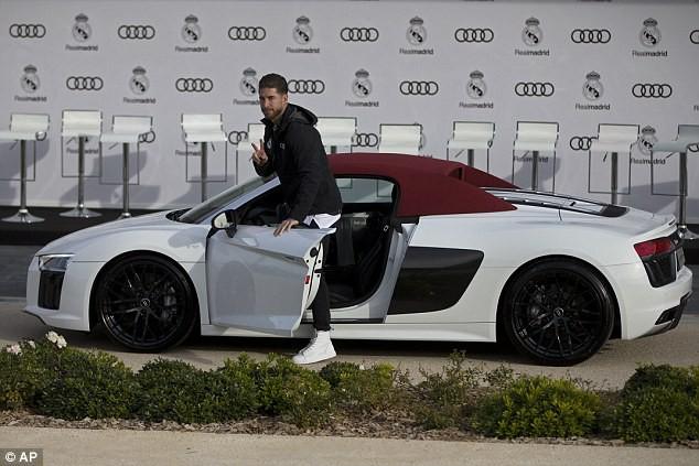 Cristiano Ronaldo và dàn sao Real Madrid được tặng xe sang Audi  - Ảnh 1.