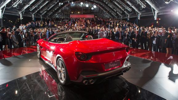 Siêu xe mui trần Ferrari Portofino được giới thiệu riêng cho các khách hàng VIP - Ảnh 4.