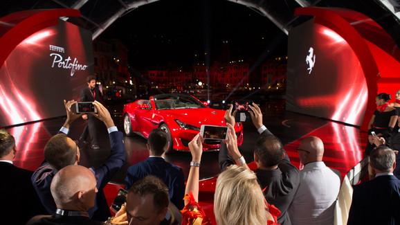 Siêu xe mui trần Ferrari Portofino được giới thiệu riêng cho các khách hàng VIP - Ảnh 2.