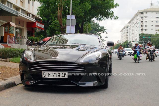 Thiếu gia 9X Sài thành tậu thêm Bentley Bentayga màu độc nhất Việt Nam - Ảnh 3.
