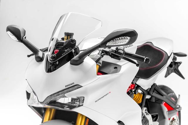 Ducati Supersport 2017 - Hoa hậu của triển lãm EICMA 2016 sắp được giới thiệu tại Việt Nam - Ảnh 13.