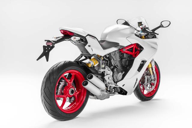 Ducati Supersport 2017 - Hoa hậu của triển lãm EICMA 2016 sắp được giới thiệu tại Việt Nam - Ảnh 8.