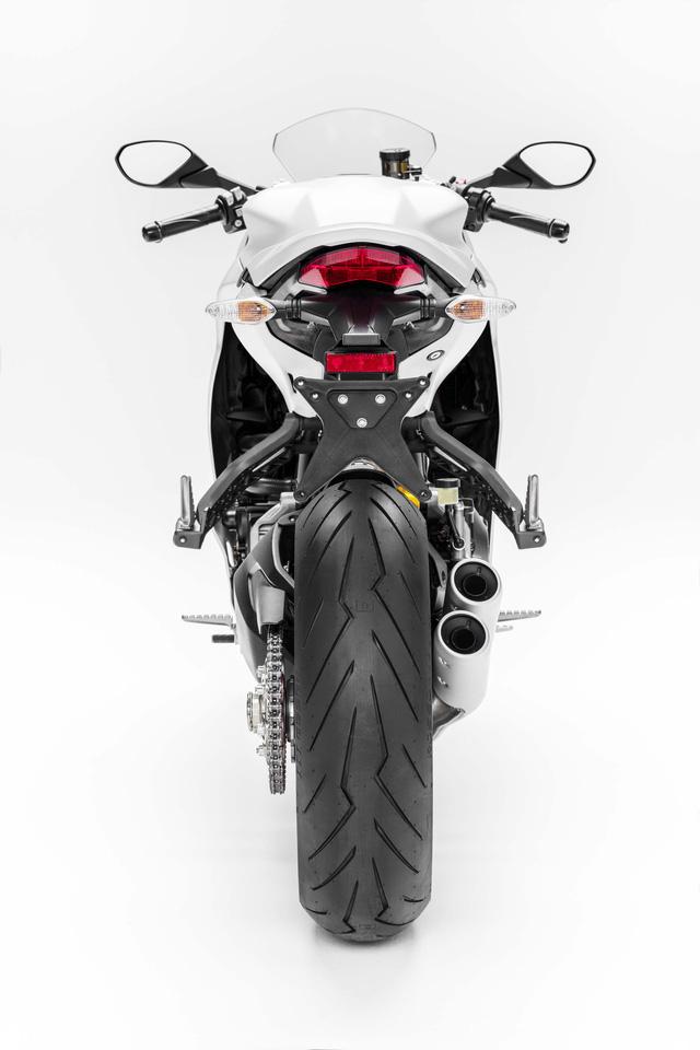 Ducati Supersport 2017 - Hoa hậu của triển lãm EICMA 2016 sắp được giới thiệu tại Việt Nam - Ảnh 11.