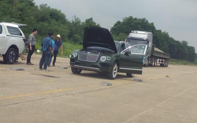 Thiếu gia 9X Sài thành tậu thêm Bentley Bentayga màu độc nhất Việt Nam - Ảnh 1.