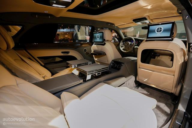 Bentley Mulsanne EWB 2017 đầu tiên cập bến Việt Nam xuất hiện tại Hưng Yên - Ảnh 3.